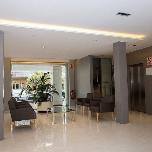 recepcion2 Perla Hotel