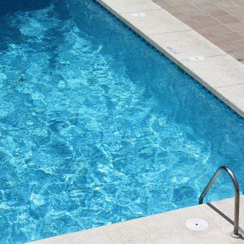 Swimming pool Perla Hotel