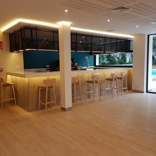 CAFETERÍA Perla Hotel