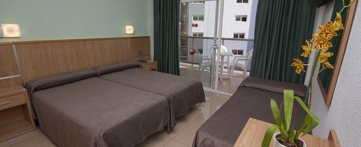 Double room with extra bed pool view perla hotel benidorm